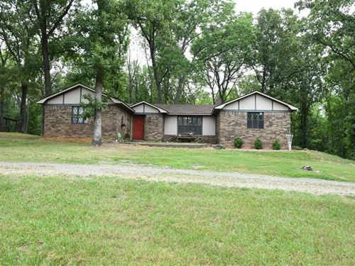 Home And Shop on 5.61 Acres : Greenbrier : Faulkner County : Arkansas