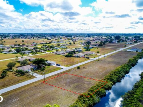 Waterfront Lot, Wide Canal : Cape Coral : Lee County : Florida