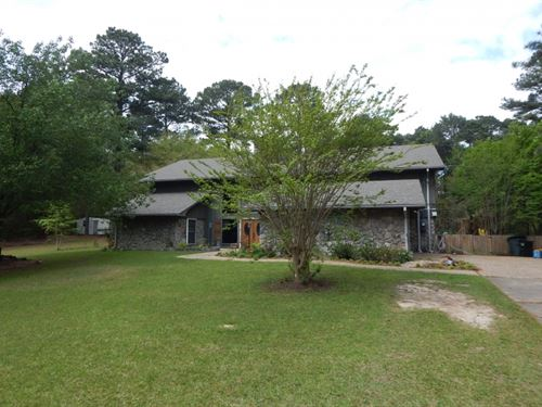 Pinehurst Home & 2.3 Acres : McComb : Pike County : Mississippi