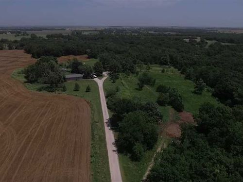 Price Reduction, Secluded Home on : Neodesha : Wilson County : Kansas