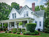 Beautifully Restored Historic Home : Morristown : Hamblen County : Tennessee