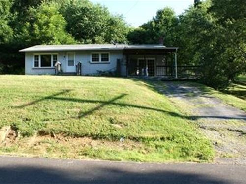 Awesome Starter Home With .75 Acre : Independence : Grayson County : Virginia
