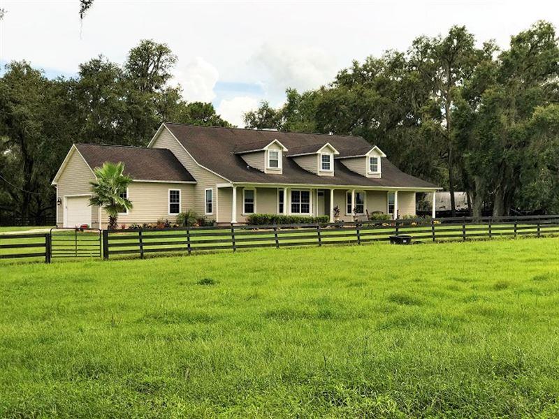 Prestigious Equestrian Estate Kraus : Dade City : Pasco County : Florida