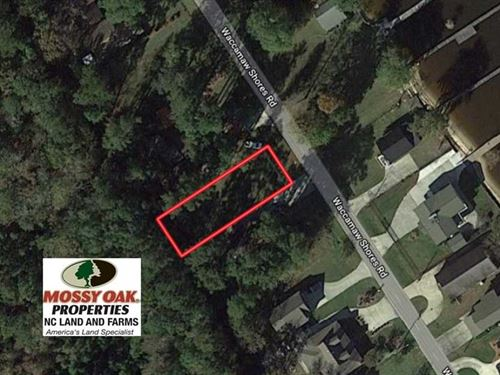 .17 Acre Residential Lot For Sale : Lake Waccamaw : Columbus County : North Carolina