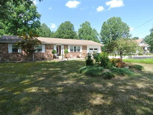 Home on 4.73 Acres For Sale in But : Poplar Bluff : Butler County : Missouri