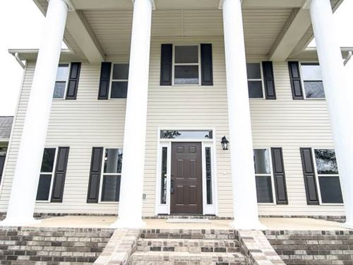 Home With A Grand Entrance : Ruth : Lincoln County : Mississippi