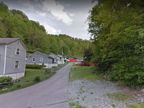 .09 Acres In McRoberts, KY : McRoberts : Letcher County : Kentucky