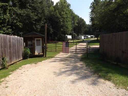 Rv Park With 27 Sites : Columbia : Houston County : Alabama