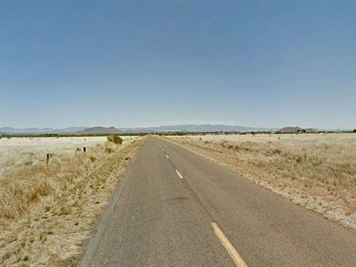 Nearly An Acre Of Arizona Land : Pearce : Cochise County : Arizona
