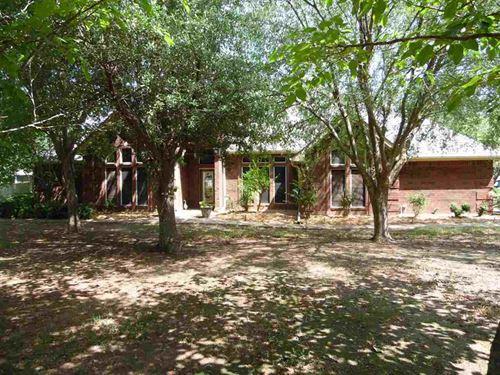 Six Acres With Home : Paris : Lamar County : Texas