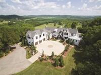 Luxury Farmhouse On 20 Acres : Franklin : Williamson County : Tennessee