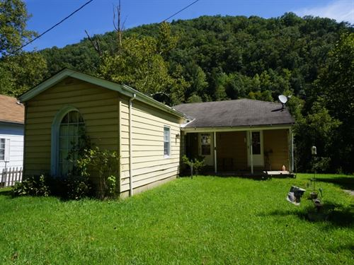 Very Cozy & Neat House With History : Clay : West Virginia