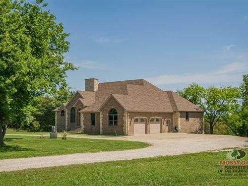 Elk City Lake Home : Elk City : Montgomery County : Kansas