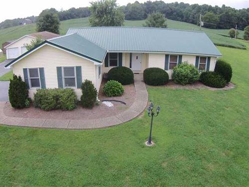 Beautiful Rural Home With Pool : Buffalo : Green County : Kentucky