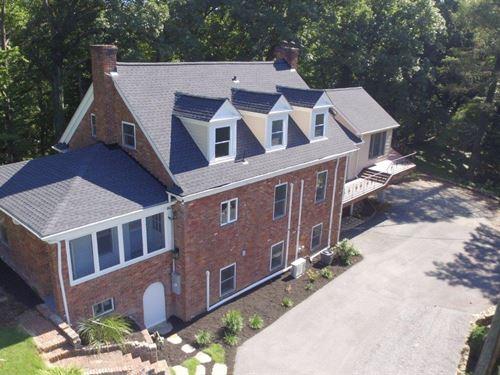2-Story Home On 4 Acres : Roanoke : Roanoke City County : Virginia