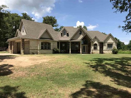 Move In Ready On Over 2 Acres : Bogata : Red River County : Texas