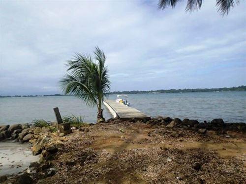 Titled Bocas Del Toro Beachfront : Bocas Del Toro : Panama