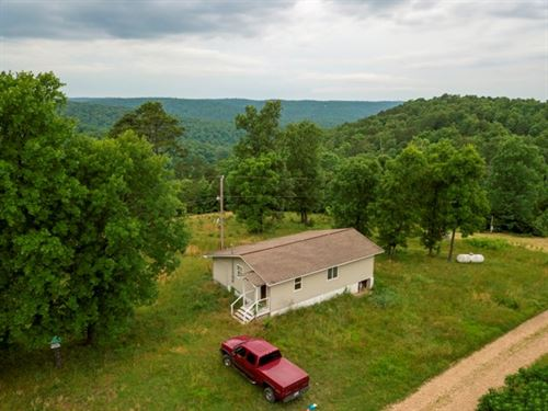Bull Shoals Lake Area Cabin & 10 : Flippin : Marion County : Arkansas