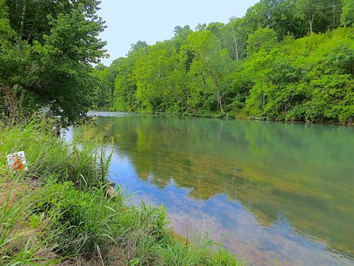 Riverfront Property on Spring River : Mammoth Spring : Fulton County : Arkansas