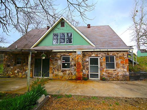 Home Acreage Creek Fulton County : Mammoth Spring : Fulton County : Arkansas