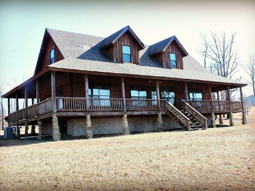 Cabin For Sale in The Ozarks : Mountain View : Stone County : Arkansas