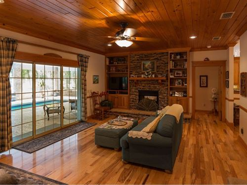 Beautiful Custom Home 19.38 Acres : Live Oak : Suwannee County : Florida