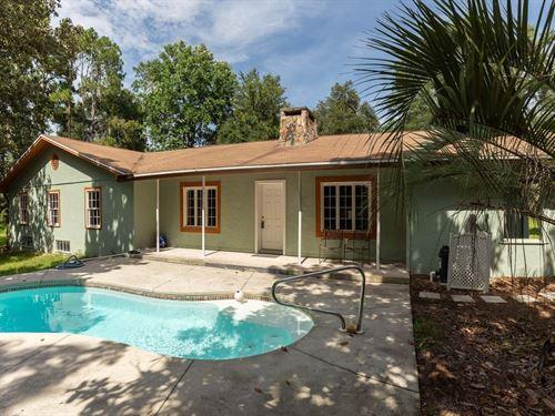 Remodeled Home Basement Suwannee : Live Oak : Suwannee County : Florida