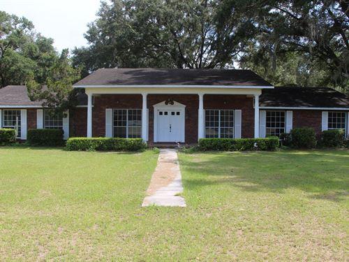 Spacious 5 Bedroom Home Outside : Newberry : Alachua County : Florida