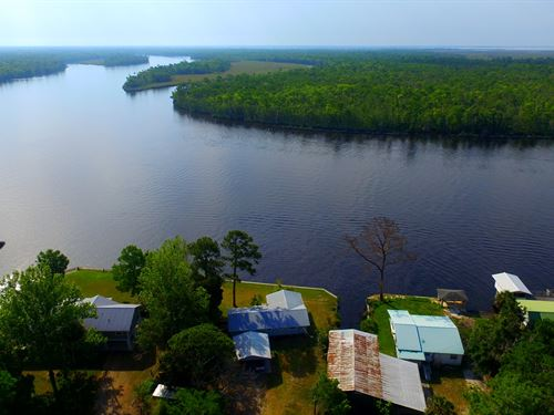 Great Home Stunning River Views : Suwannee : Dixie County : Florida