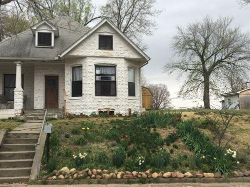 Bungalow For Sale College Town : Atchison : Kansas
