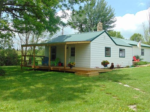 County Home With Pasture And Shop : Cabool : Texas County : Missouri