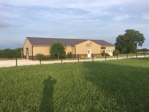 Equestrian Farm Arena Southwest : Billings : Stone County : Missouri