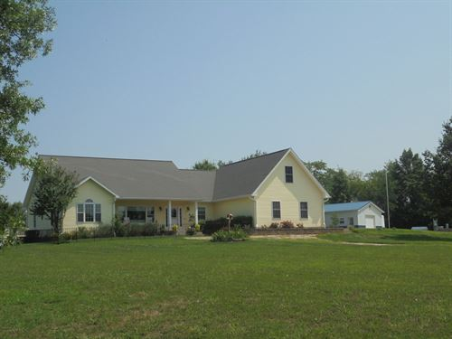 Beautiful Home 18 Acres, Minutes : Chillicothe : Livingston County : Missouri