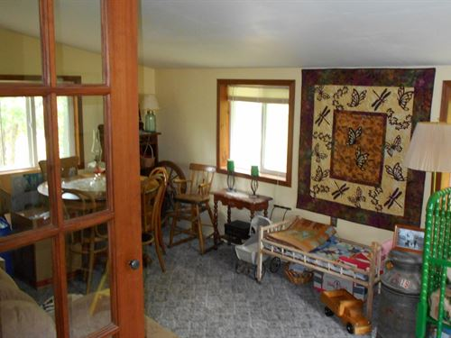 Country Home, Shop & Garage 6 : Fayette : Howard County : Missouri