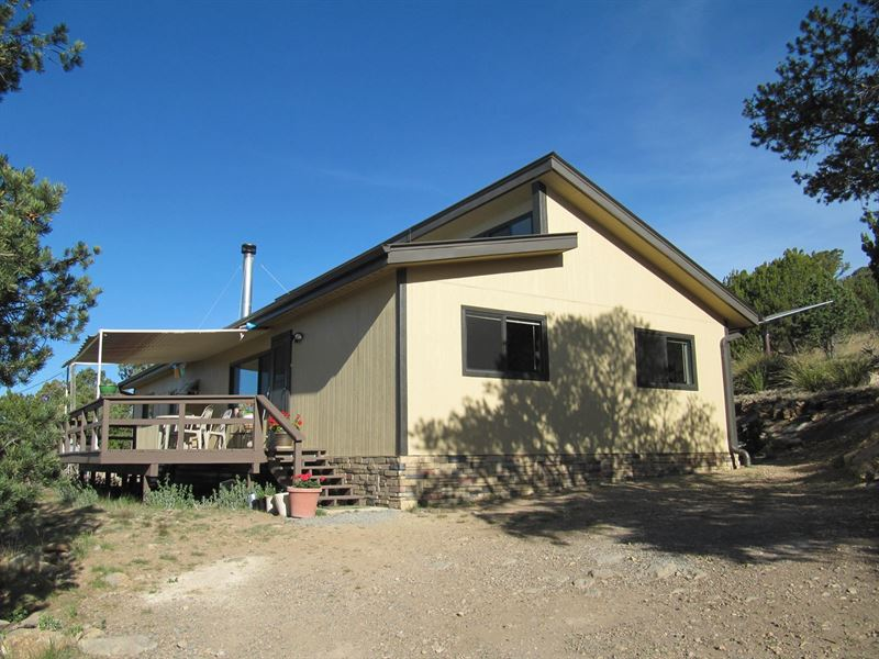 Energy Efficient Mountain Retreat : Hanover : Grant County : New Mexico