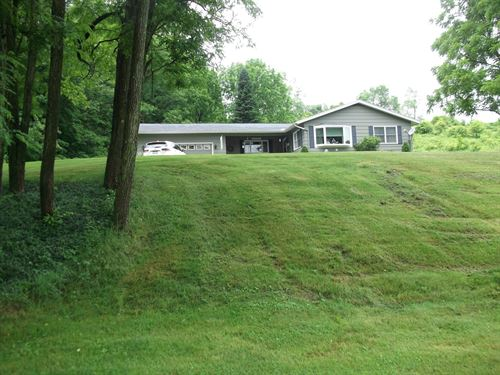 Long & Lovely Ranch 6 Acres Barn : Deposit : Broome County : New York