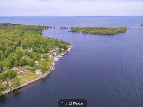 2.6 Acres Land Right Water : Henderson : Jefferson County : New York