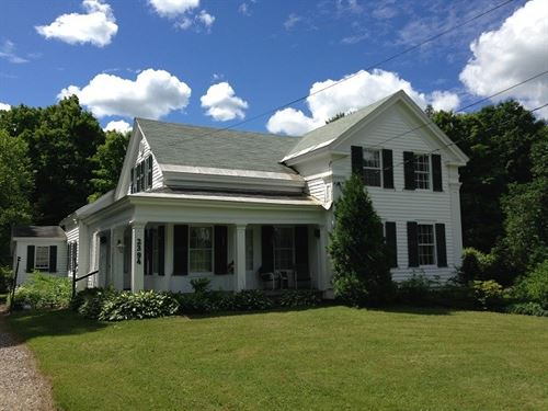 Creek Front Colonial Home Acreage : Salisbury Center : Herkimer County : New York