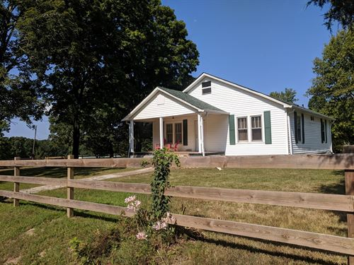 Farmhouse 5 Acres Barn Fencing : Lyles : Hickman County : Tennessee