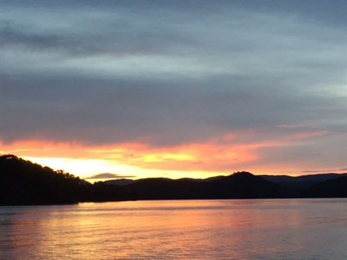 Lakefront Community Land New : New Tazewell : Claiborne County : Tennessee