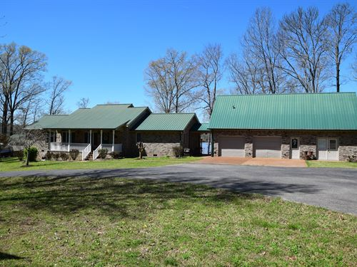 River Front Home Boat House, TN : Parsons : Decatur County : Tennessee