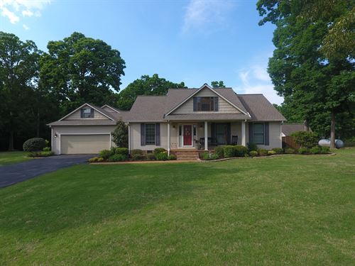 Country Home in West TN For Sale : Selmer : McNairy County : Tennessee