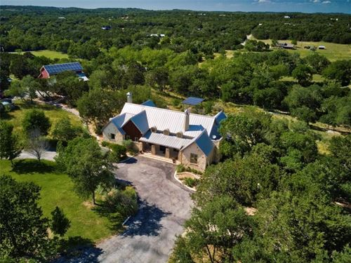 Private Hill Country Estate : Dripping Springs : Hays County : Texas