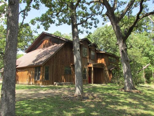Secluded 2 Story, Horse Barn 7 Ac : Palestine : Anderson County : Texas