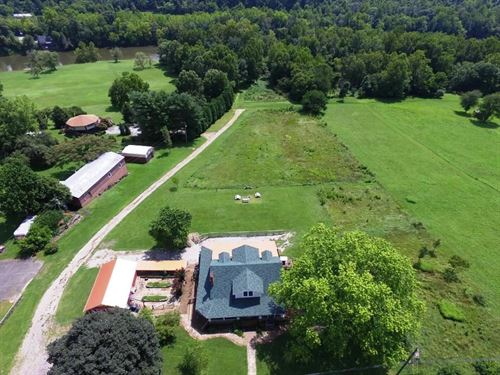 Riverfront Historic Home 7 Acres : Austinville : Wythe County : Virginia