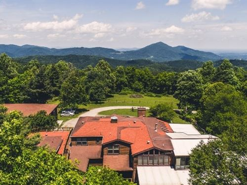 Lodge Retreat in Bent Mountain VA : Copper Hill : Floyd County : Virginia