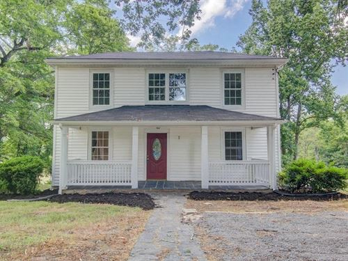 Classic Farmhouse 5 Acres Land : Huddleston : Bedford County : Virginia