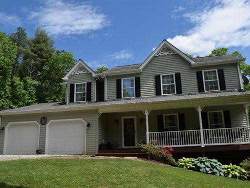Large Country Home / Hobby Farm : Pilot : Floyd County : Virginia