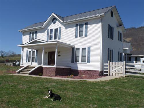 Beautiful Remodeled Farm House : Tazewell : Virginia