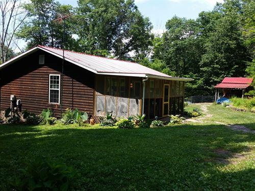 Mountain Retreats.3 Homes, 40 : Hinton : Summers County : West Virginia